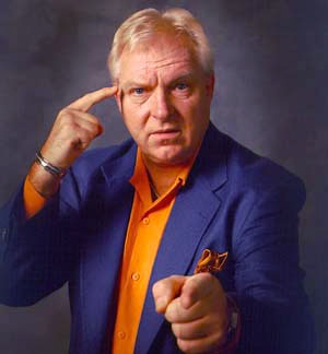 saw bobby the brain heenan in store and he kick my nuts when told him i luv his work